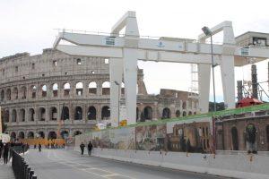 Roma, i lavori per la linea C della metro ai Fori Imperiali e sotto il Colosseo (Video)