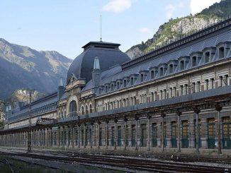 stazione canfranc pirenei