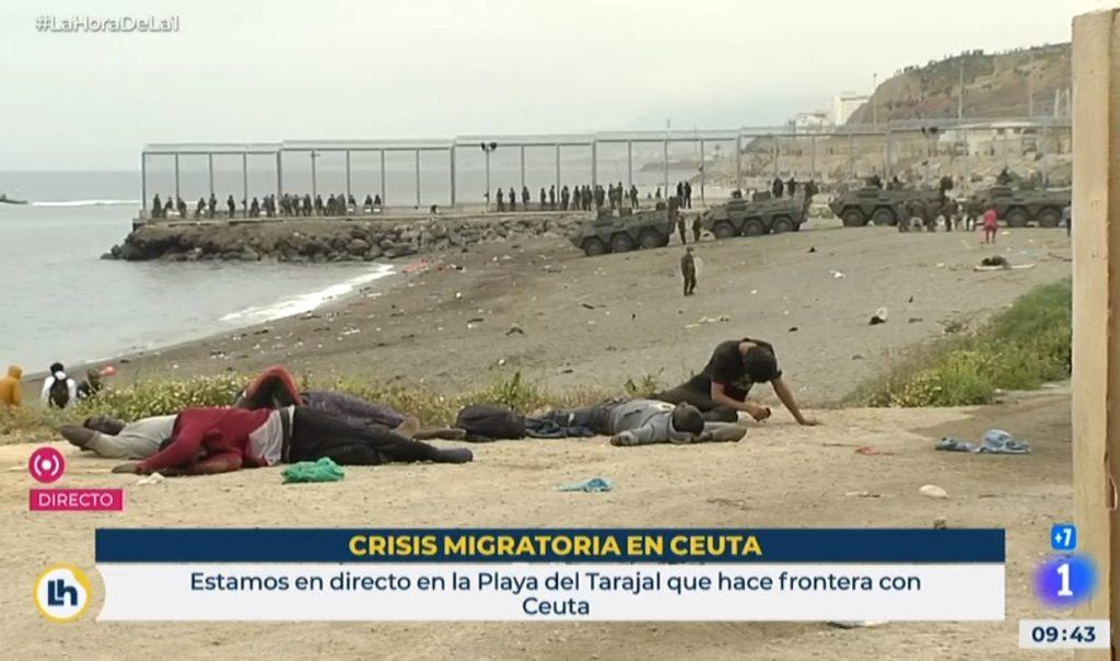 Ceuta, massa di migranti: cosa c'è dietro il maxi sbarco in Spagna